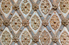 Järnmodell på den gamla porten Arkivbilder