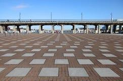 JÄRNOMLOPPET OCH JÄRNVÄG FÖRDÄRVAR YOKOHAMA, JAPAN Royaltyfria Bilder
