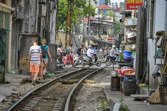 Järnväg i Hanoi, Vietnam Royaltyfri Bild