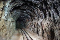 Järnväg i tunnel arkivfoton