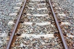 Järnväg järnväg, industriell begreppsbakgrund Järnvägtrave Arkivfoto