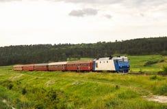 Järnväg landskap från Rumänien Arkivfoto