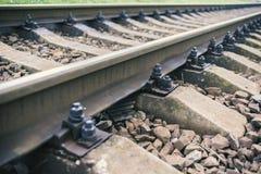 Järnväg linje med dess beståndsdelar, detalj, Ukraina Royaltyfri Fotografi