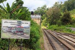 Järnväg linje på den Ella stationen - Sri Lanka arkivfoton