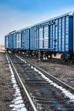 Järnväg med vagnar Royaltyfri Fotografi
