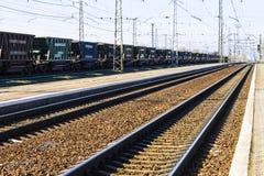 Järnväg som åker lastbil Arkivfoto
