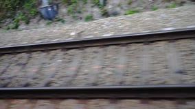 Järnväg stänger Sikt från drevfönstret stock video