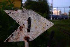 Järnväg tecken för att koppla spår fotografering för bildbyråer