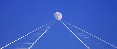 Järnväg till moonen Arkivbild