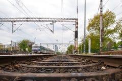 Järnvägar av Zagreb den huvudsakliga stationen - Kroatien. Byggnader i Royaltyfria Foton