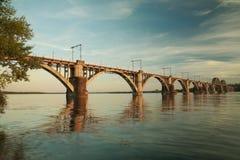 Järnvägsbro för `-Merefa-Kherson ` Arkivfoton