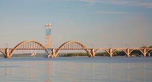 Järnvägsbro för `-Merefa-Kherson ` Royaltyfria Foton