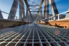 Järnvägsbro i metall arkivbilder