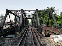 Järnvägsbro på Bangkok, Thailand arkivbilder