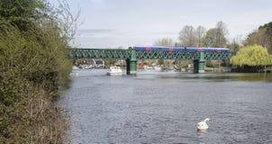 Järnvägsbro på det Bourne slutet Arkivfoto