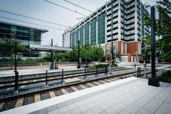 Järnvägspår i uptownen Charlotte, North Carolina fotografering för bildbyråer