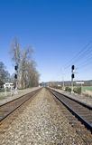 järnvägspår kopplar samman royaltyfri foto