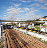 Järnvägspår och drev Arkivbilder