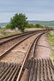 Järnvägsspårelasticitet in mot låga kullar Arkivbild