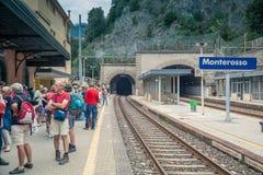 Järnvägsstation av Monterosso, Cinque Terre, Italien Royaltyfri Fotografi