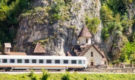 Järnvägsstation i bergen av Montenegro Arkivbild
