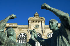 Järnvägsstation och konstverk i Viana do Castelo, Portugal Royaltyfri Foto