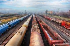 Järnvägsstationfraktdrev, lasttransport royaltyfri fotografi