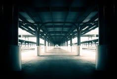 Järnvägsstationplattformgummistövel Fotografering för Bildbyråer