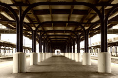 Järnvägsstationplattformgummistövel Royaltyfria Foton