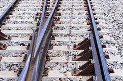 Järnvägsystem för den diesel- drevplattformen, closeupskott Arkivfoto