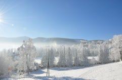 Jätte- berg/Karkonosze, Karpacz vinter Royaltyfri Bild