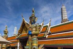 Jätte- Buddha i Wat Phra Kaew buddha smaragdtempel Royaltyfria Foton