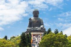 Jätte- Buddhasammanträde på lotusblomma Arkivfoton