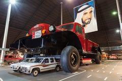 Jätte- Dodge maktvagn i Abu Dhabi Royaltyfri Foto