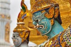 Jätte eller Yaksha på Wat Phra Kaew i Bangkok, Thailand Royaltyfria Bilder