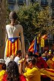 Jätte i demonstrationen i Barcelona Arkivfoto