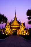 Jätte i det Arun tempelet, Bankok Thailand Arkivbilder