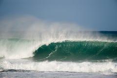 jätte- ihålig wave Arkivbild