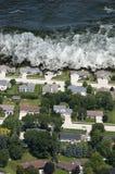 jätte- naturlig tidvattens- tsunamiwave för katastrof Arkivbild