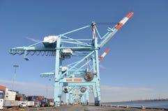 Jätte- skeppsdockakranar Port Newark som är ny - ärmlös tröja Royaltyfri Fotografi