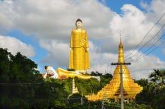 Jätte- stående Buddha av Monywa, Myanmar Royaltyfria Bilder