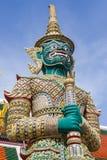 Jätte- staty i Wat Phra Kaew Royaltyfria Foton