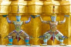 jätte- staty thai två Arkivfoto