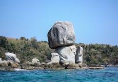 Jätte- sten som staplar i den Lipe ön arkivfoto