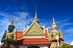 jätte- thai wat Royaltyfri Bild