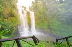 Jätte- vattenfall, Paksa Arkivbilder