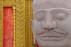 Jätte Wat Pra Kaeo Temple, Thailand Royaltyfri Foto