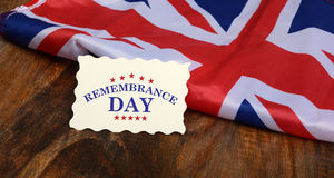 Jätteglad Förenade kungariket självständighetsdagen med UK-flaggan Royaltyfria Bilder