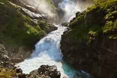 JätteKjosfossen vattenfall i Flam - Norge Royaltyfria Bilder