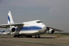 jättelikt flygplan Royaltyfri Fotografi